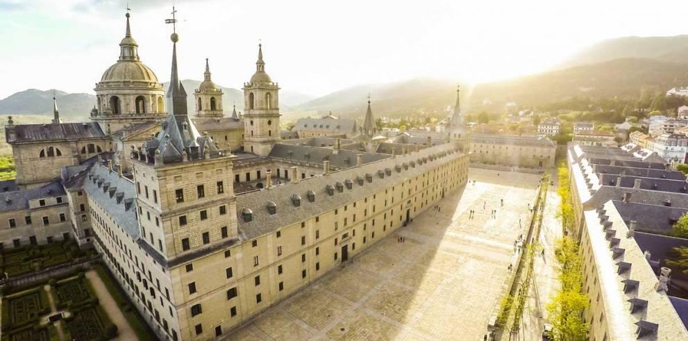Excursión al Real Monasterio de El Escorial y Valle de Los Caídos