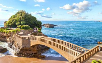 San Sebastián, Biarritz  & Hondarribia Full Day Tour from Bilbao