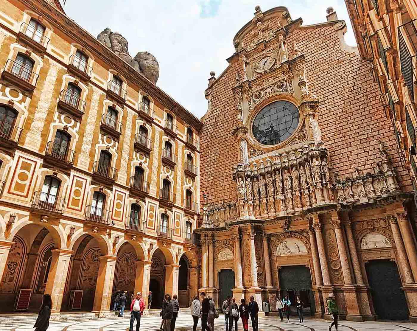 Tour de medio día al Monasterio de Montserrat desde Barcelona
