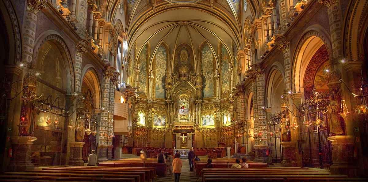 Visita a Montserrat desde Barcelona con ascenso en Tren Cremallera