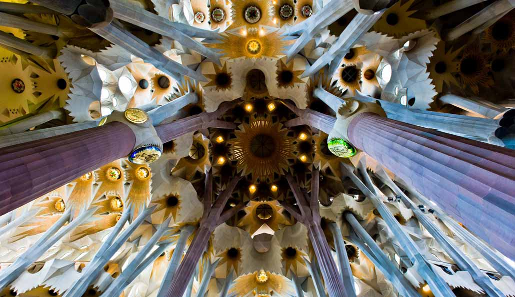 Slip the Line: Sagrada Familia guided tour
