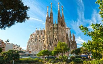 Sagrada Familia Tour with Towers