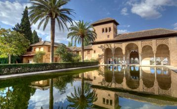 Alhambra of Granada Tour from Seville
