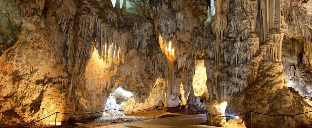 Excursión a las Cuevas de Nerja desde Granada