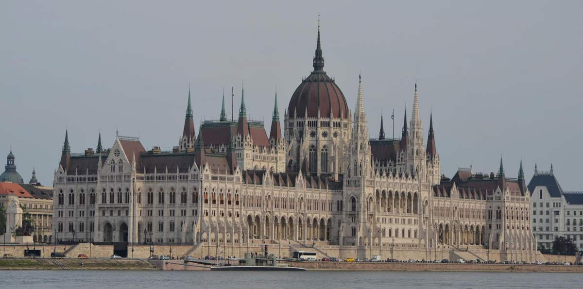 Budapest Tour + Danube Evening Cruise