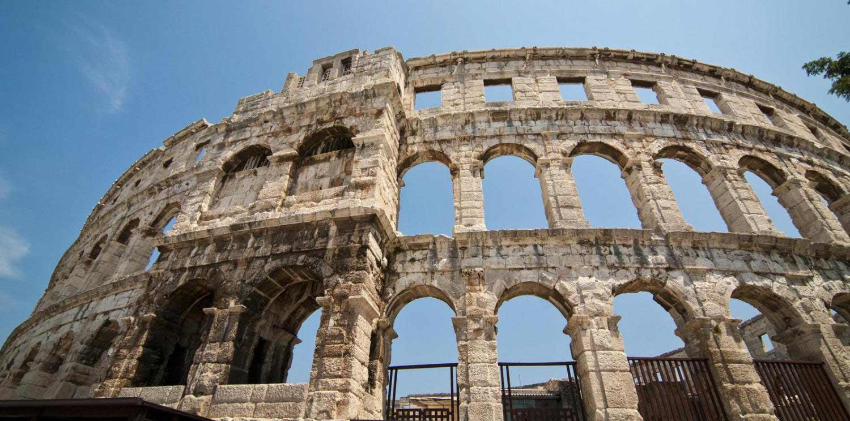 Rome Walking Tour: Colosseum & Roman Forum