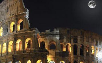 Visita nocturna al Coliseo de Roma