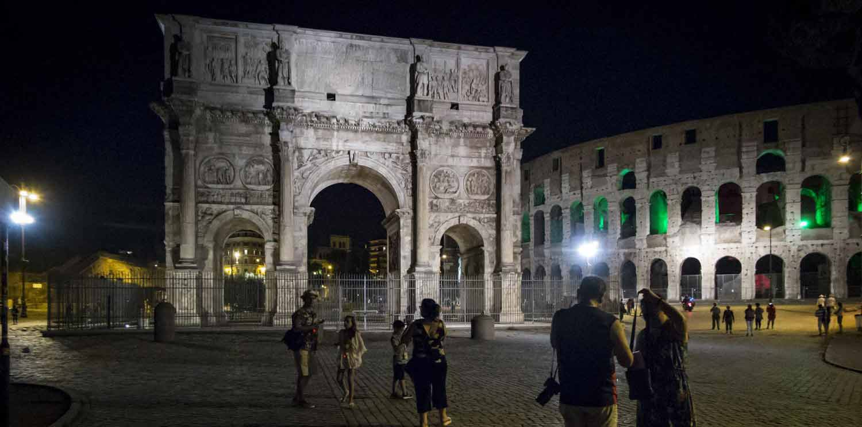 Tour nocturno en Roma con cena típica italiana
