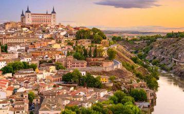 Tour a Toledo con opción a Tren turístico, Tirolina y entradas