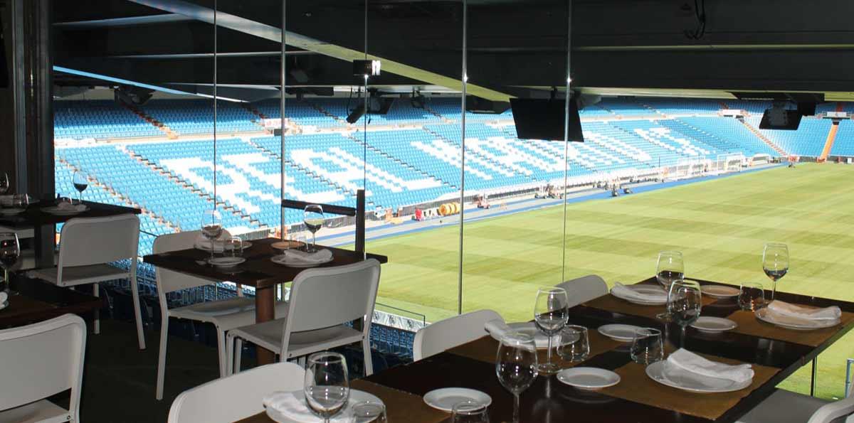 Tour Estadio Santiago Bernabéu con Palco VIP y comida en el Real Café