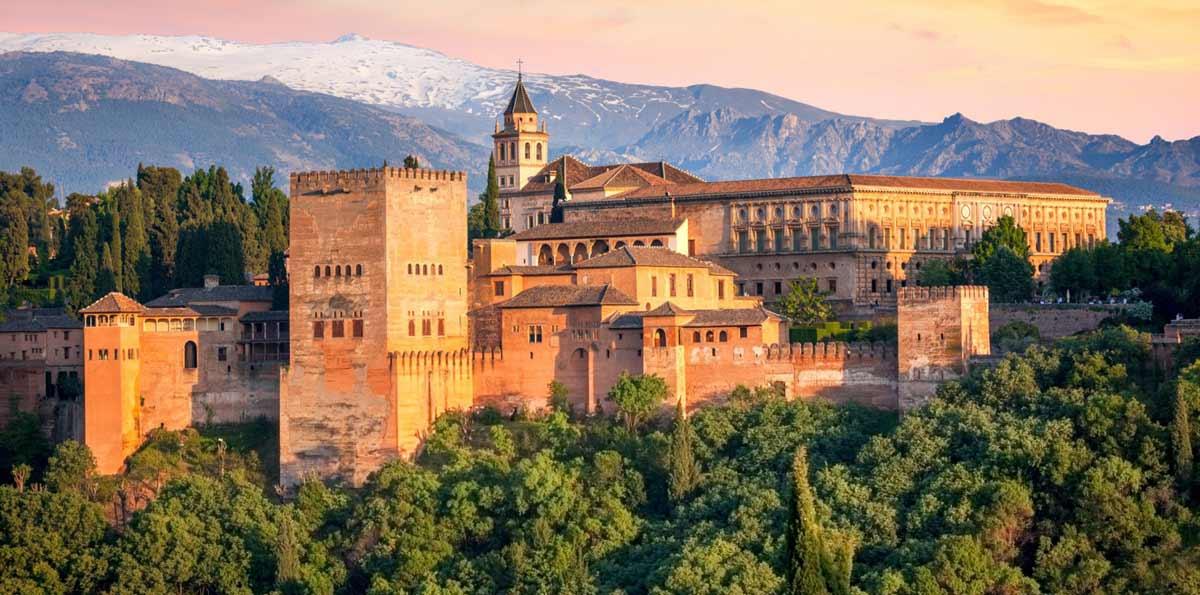 Tour Andalucía en 4 días: Sevilla, Córdoba y Granada desde Madrid