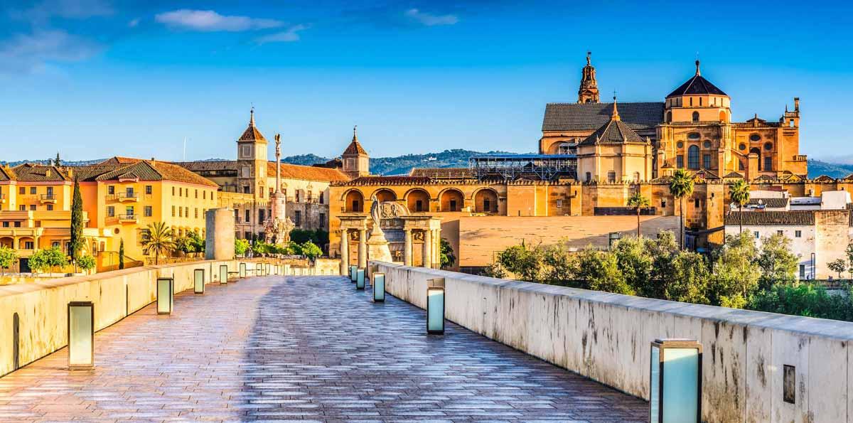 Tour por Sevilla, Córdoba y Cáceres en 3 días desde Madrid