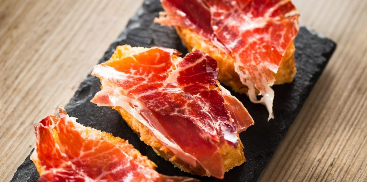 Madrid Food Tour: Wine Tasting & Iberian Ham