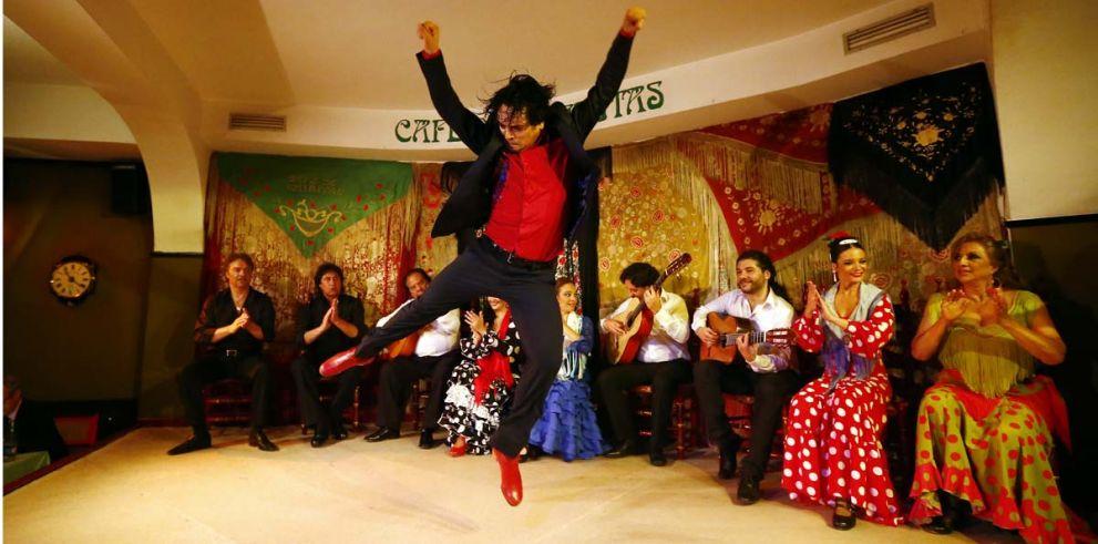 Madrid: Espectáculo Flamenco en Café de Chinitas con copa o cena