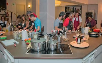 Spanish cooking class in Madrid: paella, tortilla and sangria