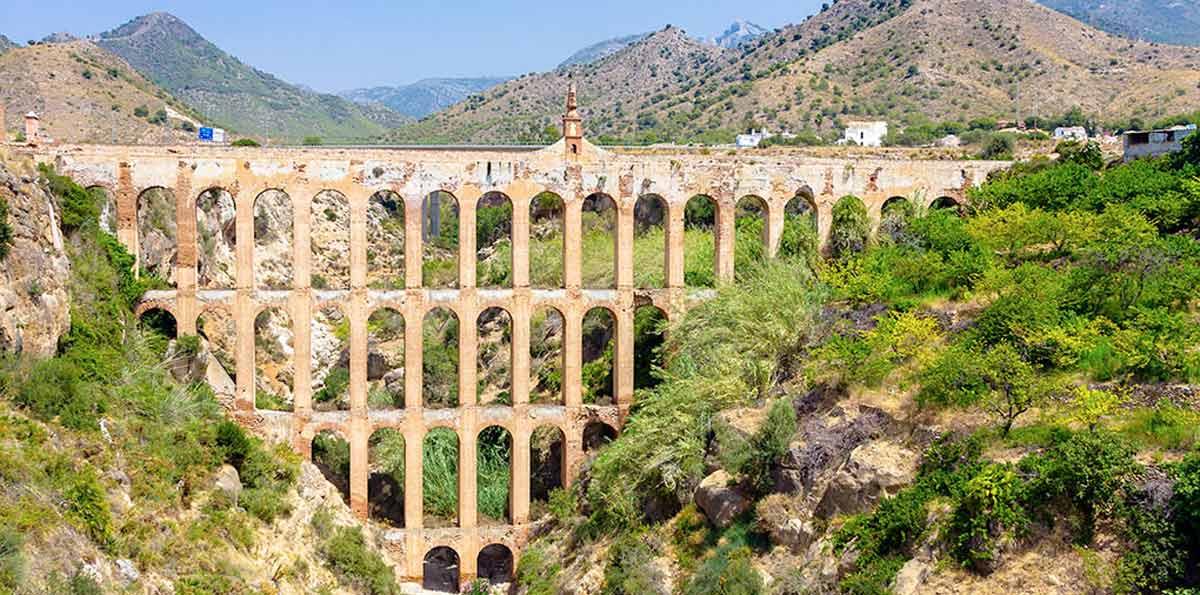 Excursión a Nerja y Frigiliana desde Málaga
