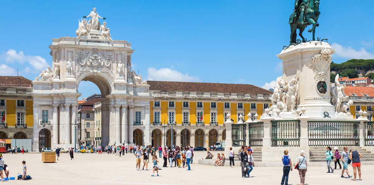 Lisbon City Tour Hop On Hop Off bus: 2 Lines - 48 hours