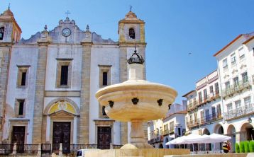 Évora full day Tour with Wine tasting from Lisbon