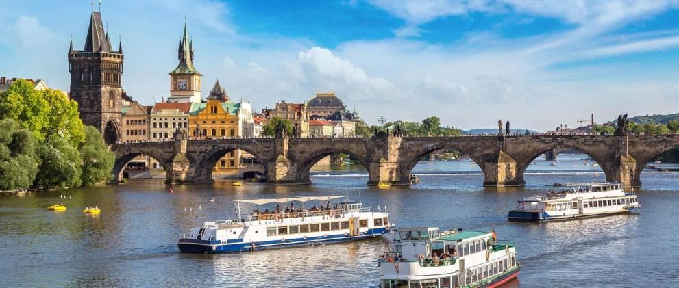 Paseo en barco por Praga
