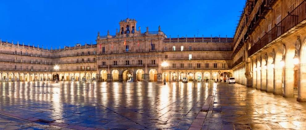 Tour Teatralizado por Salamanca iluminada