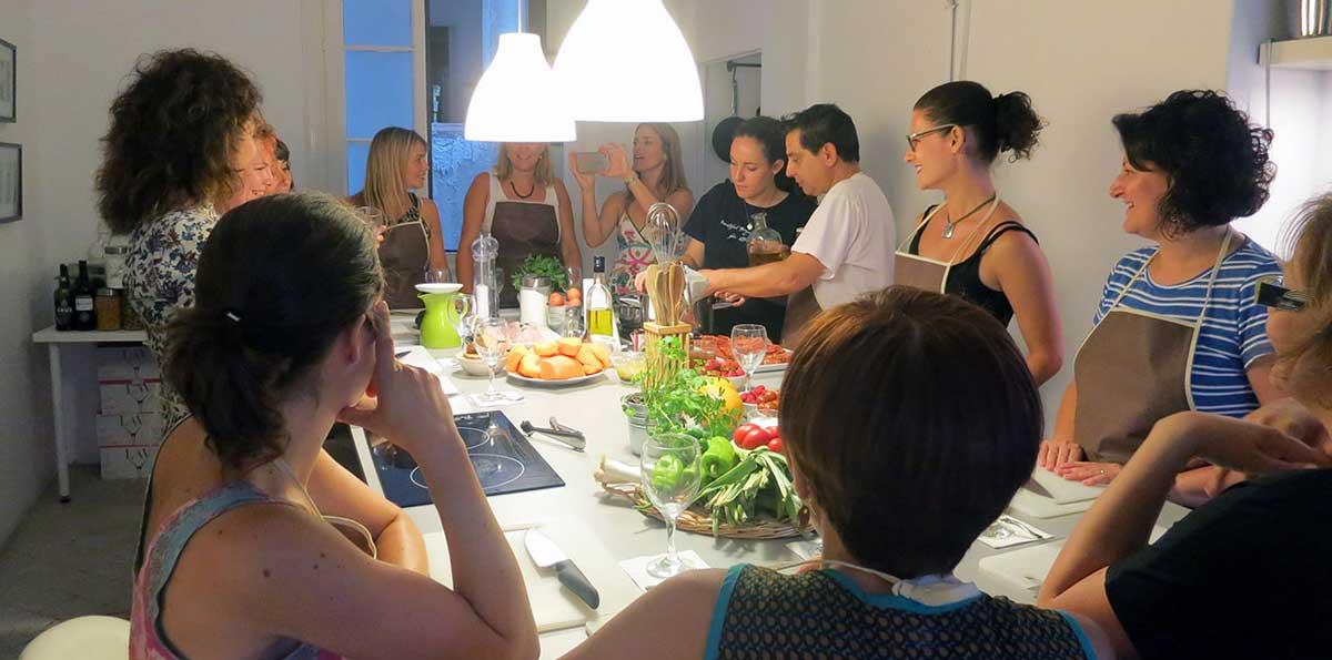 Barcelona: Clase de cocina de Tapas españolas con visita al mercado de La Boquería