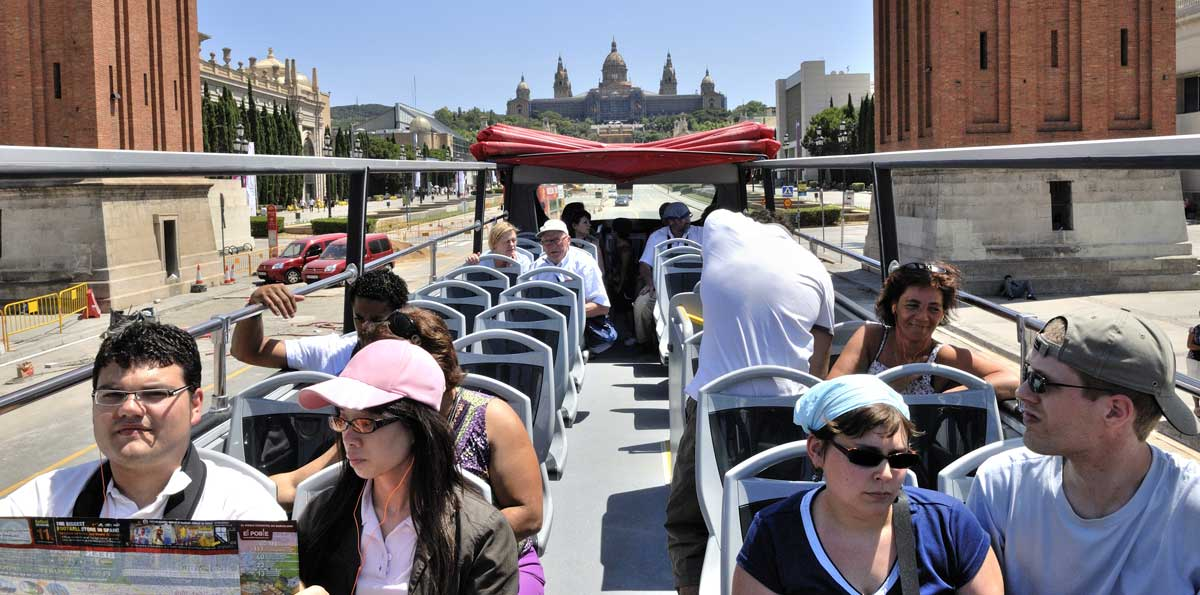 Barcelona Boat Tour & Barcelona City Tour Hop-On Hop-Off Bus