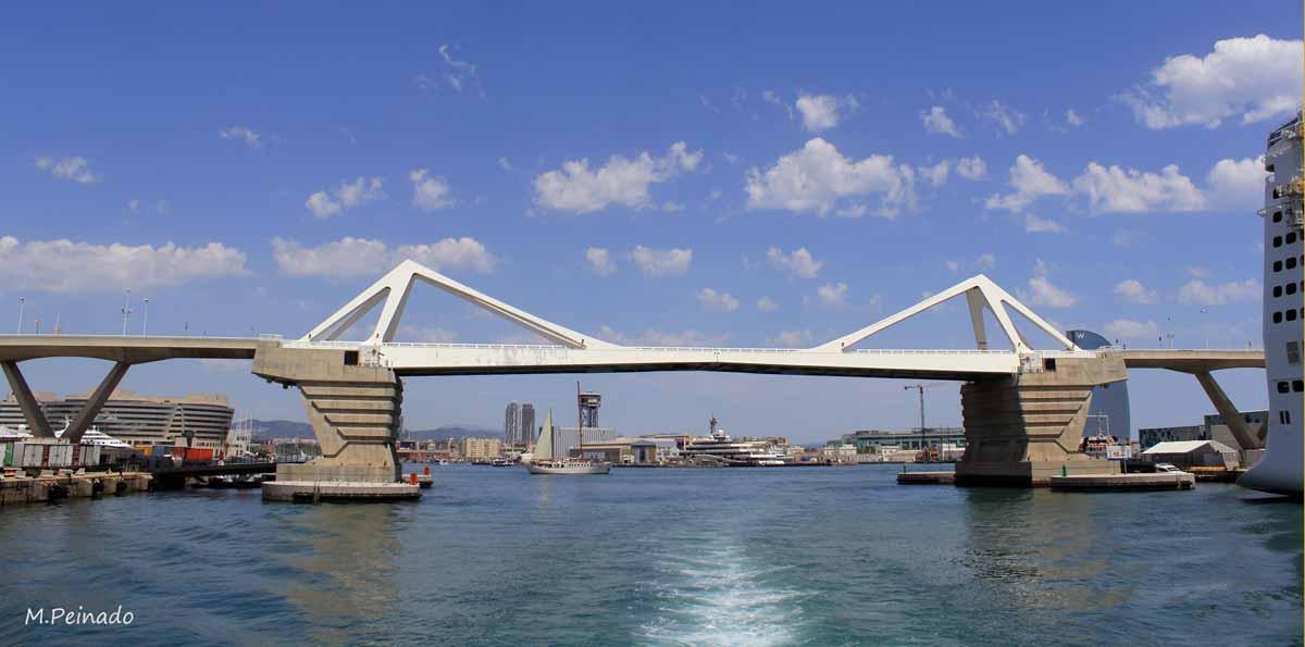 Paseo en barco Las Golondrinas en Barcelona