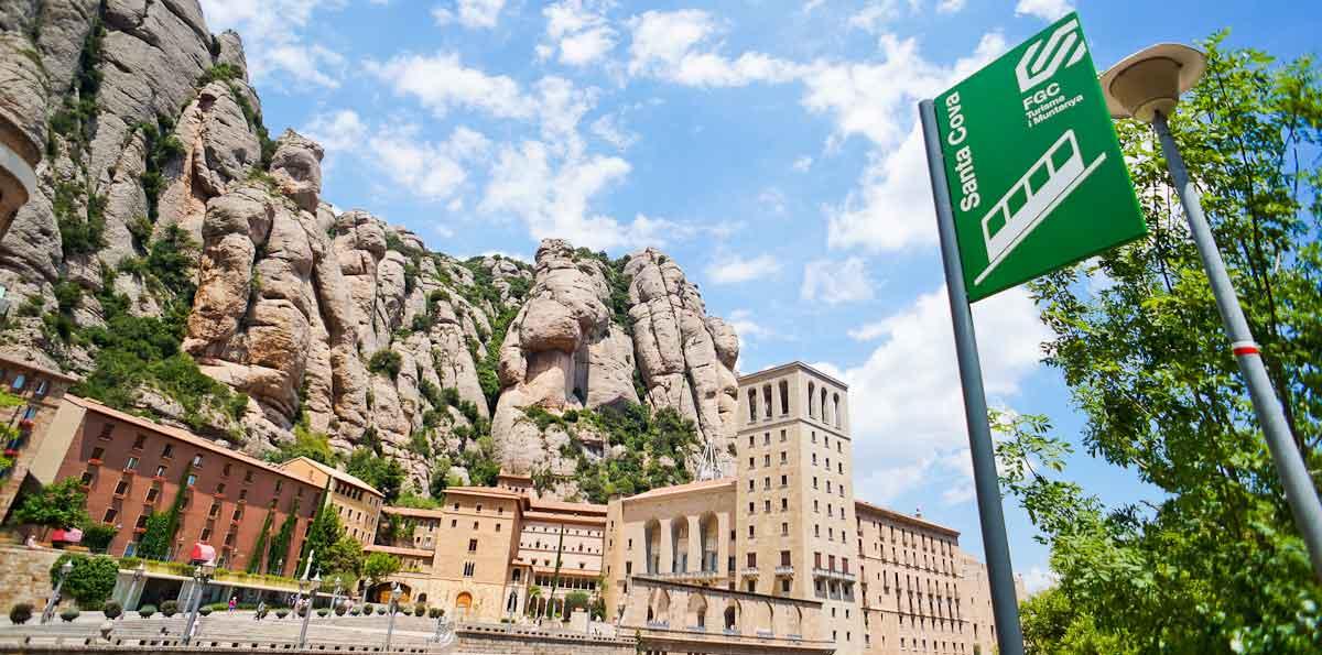 Tour Montserrat y Colonia Güell (Cripta de Gaudí) desde Barcelona