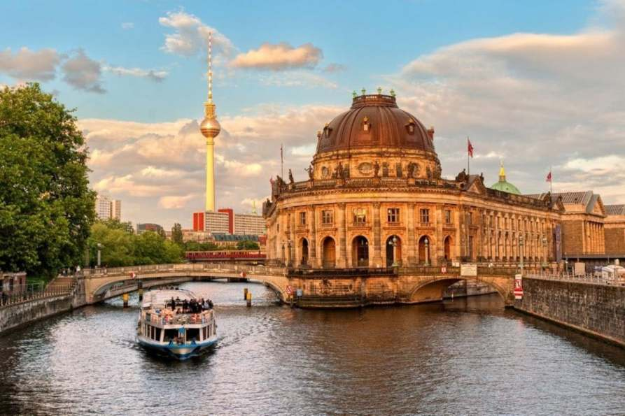 Amsterdam to Berlin and Prague Trip in 7 days