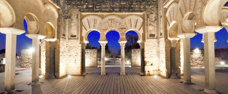 Visita nocturna por Medina Azahara