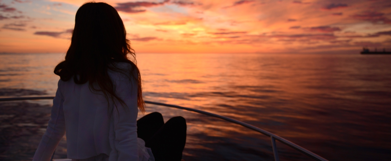 Excursión en barco desde Carboneras al atardecer