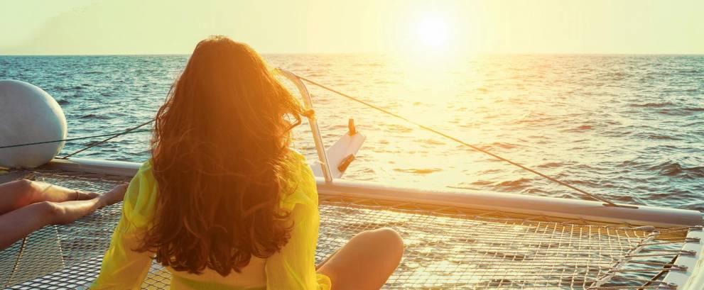 Puesta de sol en catamarán por Málaga