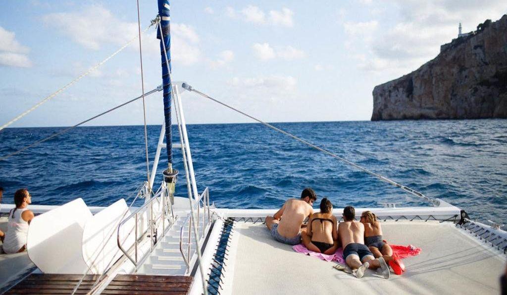 Relax en catamarán por Málaga