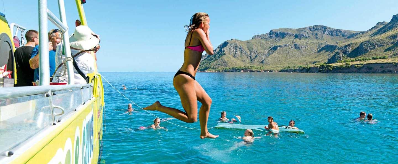 Paseo en barco en Alcudia: cuevas, calas y snorkel