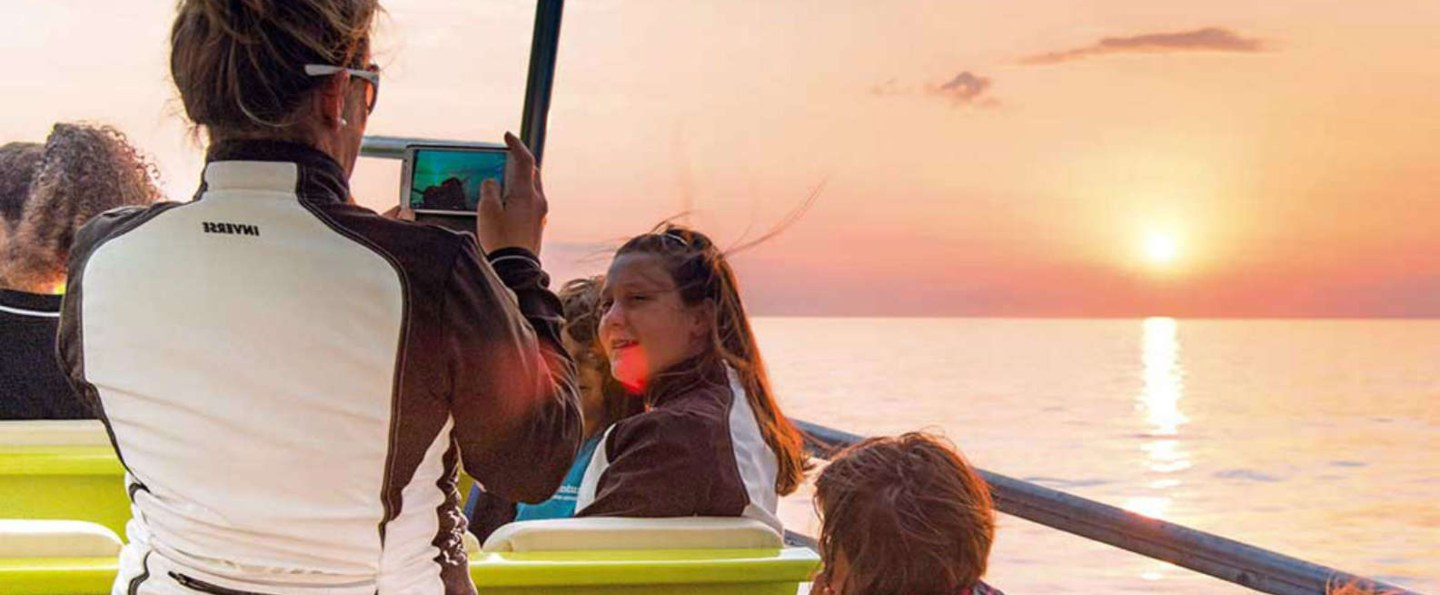 Sunrise Puerto Pollensa Boat Tour with Dolphin Watching