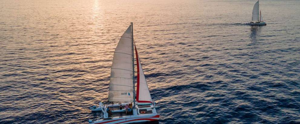 Paseo en velero al atardecer en Menorca