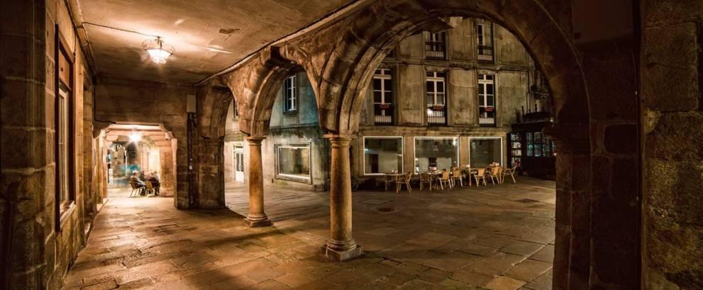 Tour nocturno por Santiago de Compostela con cena típica