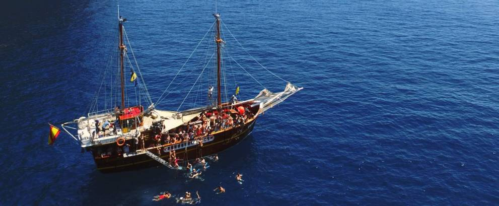 Tour en barco pirata en Los Gigantes