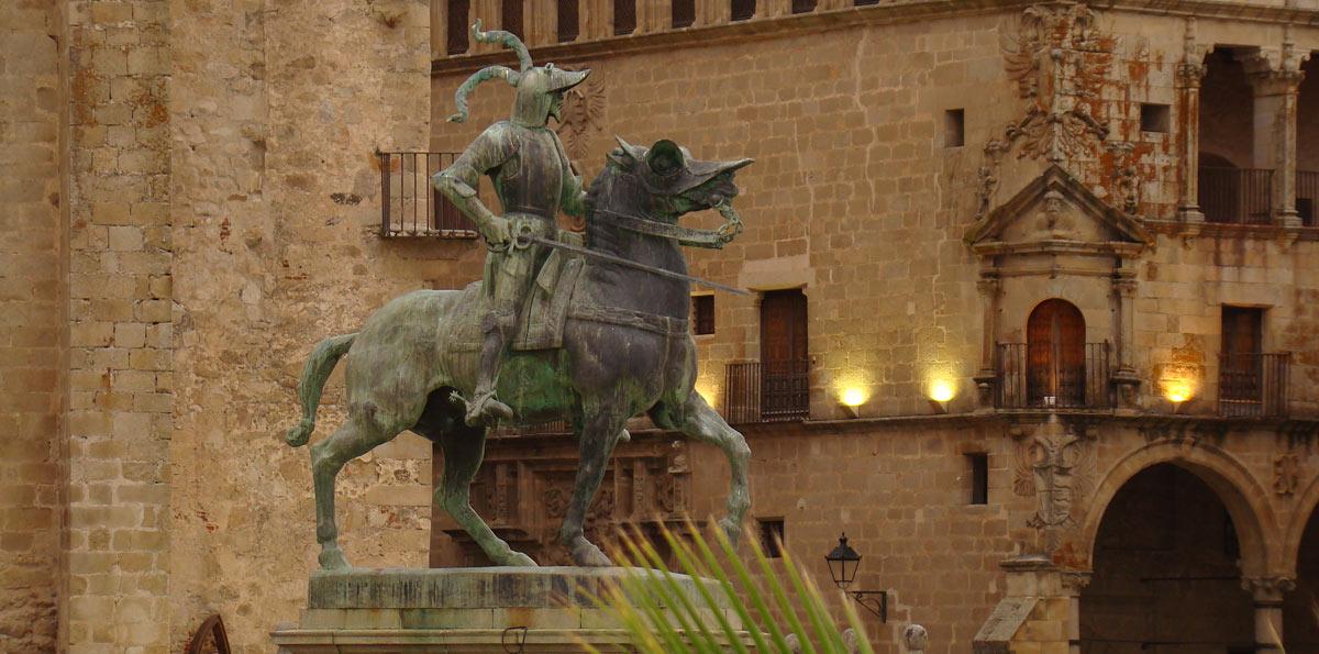 Visita guiada por Trujillo al atardecer