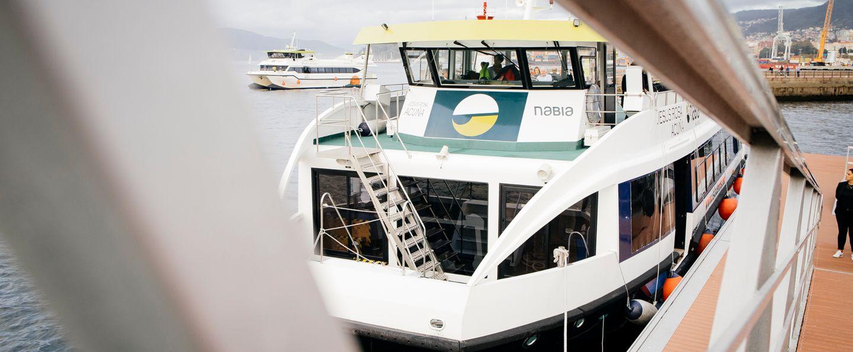 Barco de los mejillones en Vigo