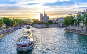 Seine River Cruise with Dinner