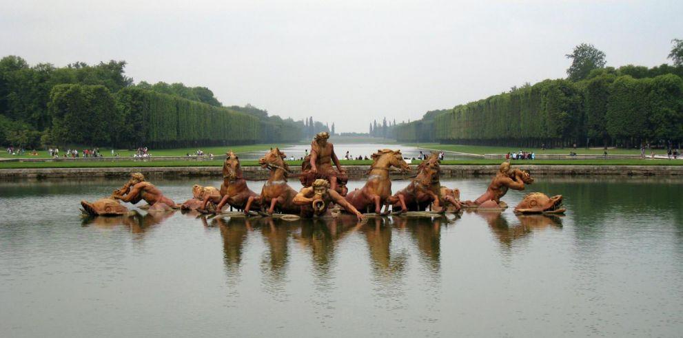 Entrada al Palacio de Versalles con audioguía y bus desde París
