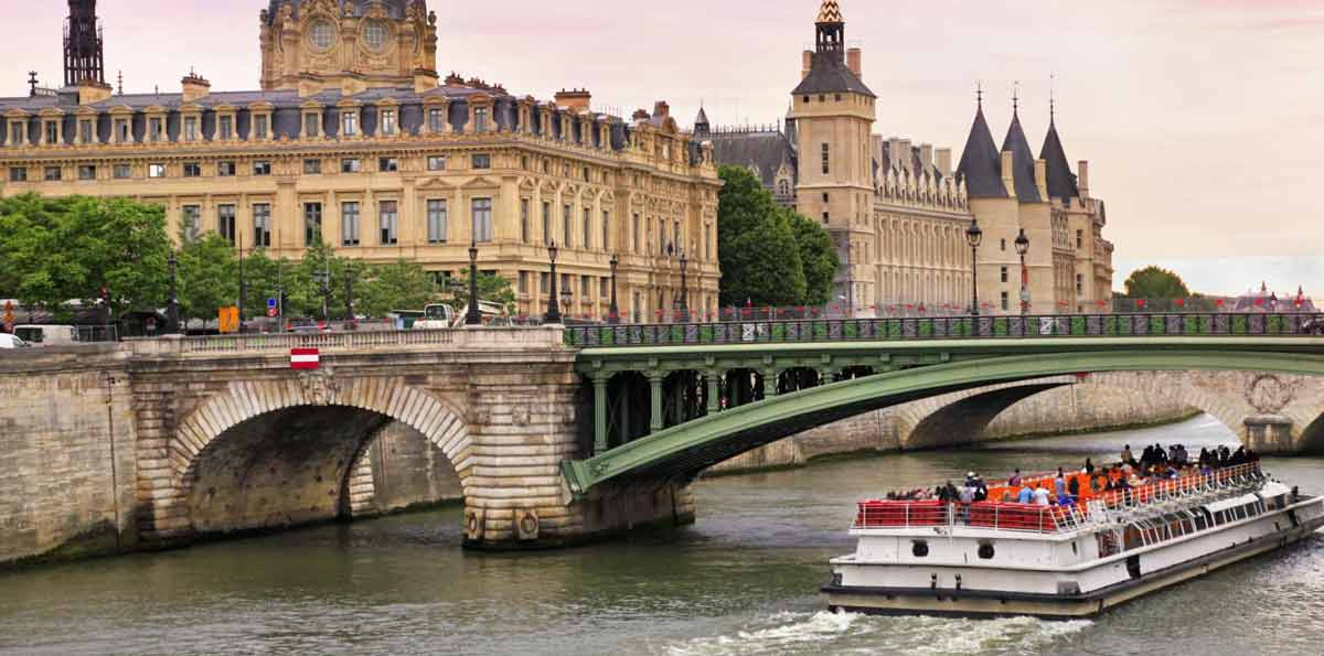 Paris City Tour, Eiffel Tower Ticket & Seine River Cruise