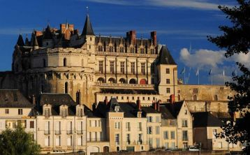 Castles of the Loire Valley Tour with Audioguide