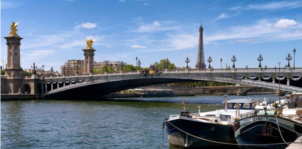 Paris City Tour with Lunch at the Eiffel Tower & Cruise