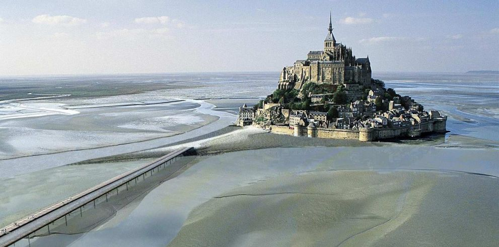 2 Day Tour of Mont Saint Michel and Loire Valley