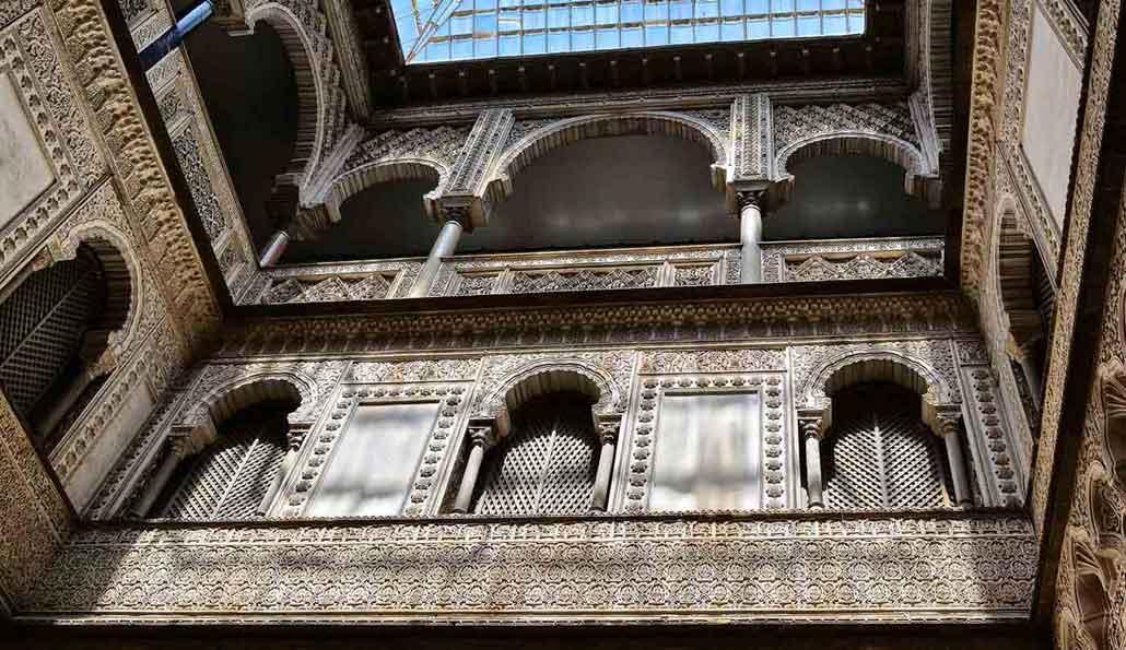 Sevilla: Tour guiado en autobús, Barrio de Santa Cruz, Giralda, Catedral y Alcázar