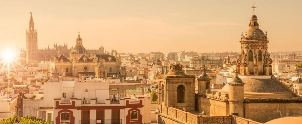 Sevilla: Tour guiado en autobús y Crucero por el Río Guadalquivir