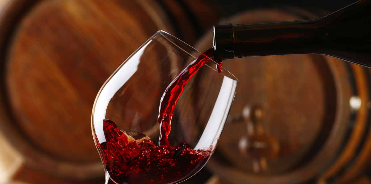 Visita a bodega tradicional con cata de vinos desde Sevilla