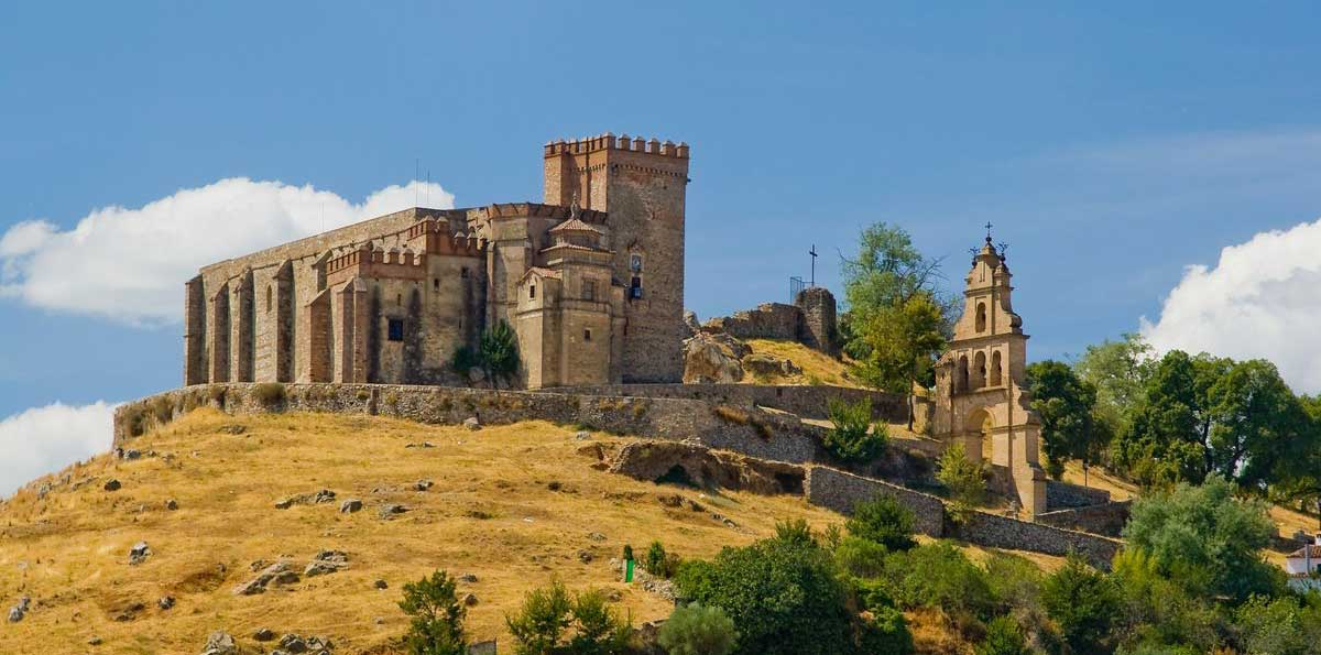 Aracena and Cave of Wonders Small Group Tour from Seville